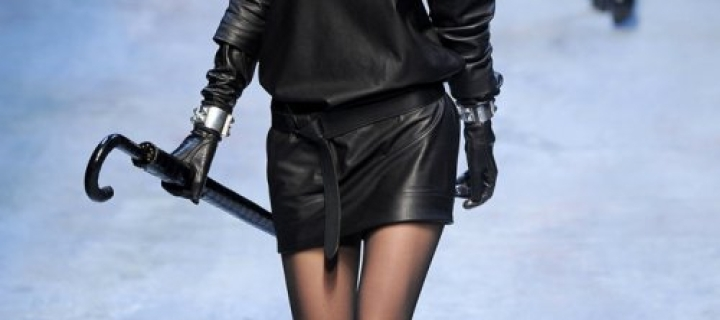 С чем носить: кардиган с кожаными вставками